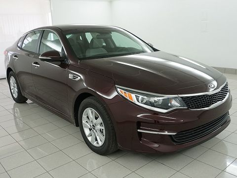 New 2017 Kia Optima 4d Sedan LX
