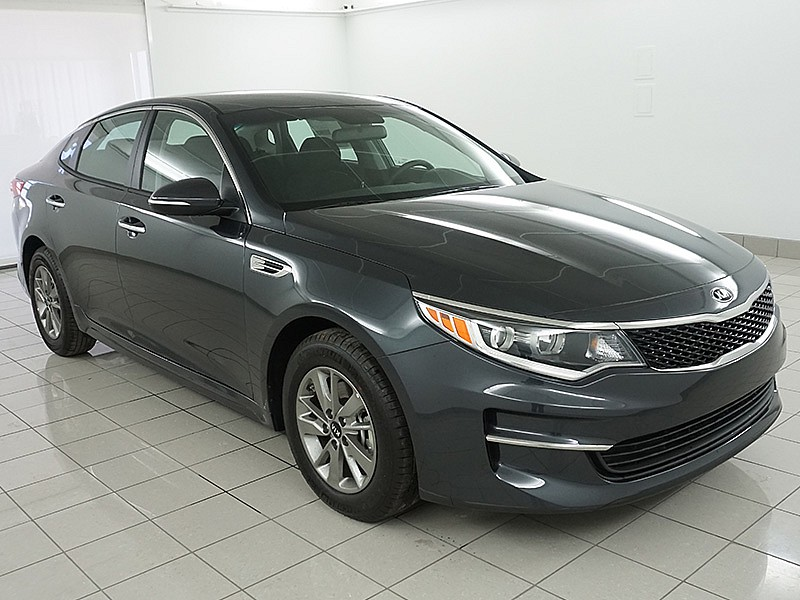 new 2017 kia optima 4d sedan lx turbo mid size car in lawrence lh372 lawrence kia. Black Bedroom Furniture Sets. Home Design Ideas